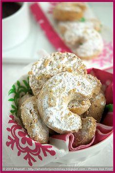 Austrian Christmas Cookies | Vanilla Kipferl
