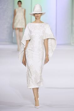 FALL 2016 COUTURE RALPH & RUSSO COLLECTION