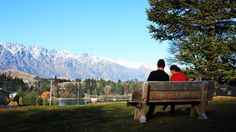 Queenstown Lakeview Holiday Park | Queenstown Accomodation. Centrally located within walking distance to the Town centre. Camping New Zealand, Holiday Park, Lake View, Distance, Centre, Walking, Mountains, Travel, Viajes