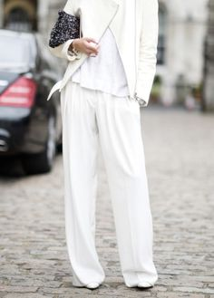 TREND: THE 3 BEST INSPIRING OVERSIZED FLARE PANTS - ANNA RIKE | creatorsofdesire.com