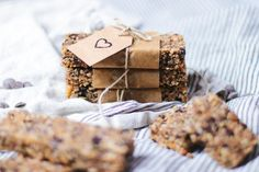 Low Carb Granola Bars: Simple, Soft and Chewy - Oh La Latkes Keto Snacks, Healthy Snacks, Raw Bars, Granola Bars, Low Carb, Simple, Recipes, Food, Healthy Snack Foods