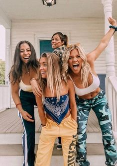 40 New Street Wear Style Outfits Ideas To Look Cool – Trendy Fashion Ideas Bff Pics, Cute Friend Pictures, Friend Pics, Foto Best Friend, Best Friend Fotos, Cute Friends, Best Friends, Crazy Friends, Surfergirl Style