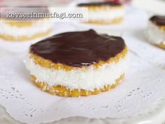 Turkish Princess Biscuit Sandwiches – Turkish Style Cooking – Yemek Tarifleri – Resimli ve Videolu Yemek Tarifleri Cookie Recipes, Dessert Recipes, Desserts, Flan, Mini Cheesecake Cupcakes, Salad Cake, Princess Cookies, Biscuit Sandwich, Salty Foods