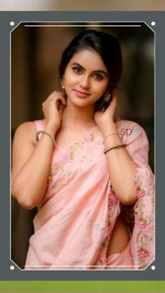 Pink Saree, Indian Beauty, Sari, Retro, My Style, Hot, Navel, Touch, Amazing