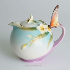 "Franz Collection ""Papillon"" Butterfly Teapot. Beautiful butterflies!"