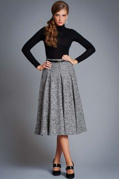Warm skirts photos): long and midi, winter and autumn models, crocheted and knitting, with what Komplette Outfits, Modest Outfits, Skirt Outfits, Fall Outfits, Blouse And Skirt, Dress Skirt, Midi Skirt, Dress Up, Pleated Skirt