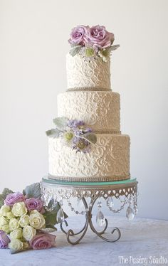 Romantic Pale White Scroll Work Wedding Cake