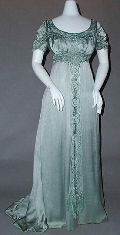 1912 Evening Gown by Liberty of London Ropa De Época 844d31388b07