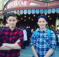 Twins Max and Harvey mills We The People, Good People, Amazing People, Max Mills, Harvey Mills, Gabriel Conte, Brandon Rowland, Instagram And Snapchat, Mamma Mia