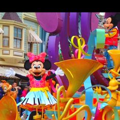 Disneyland Main Street USA Mickey Mouse Minnie Mouse Soundsational Parade