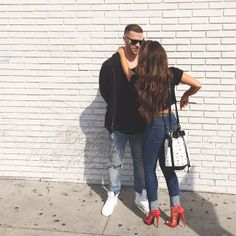 Wait, we have to validate our parking! Diy Fashion, Fashion Beauty, Fashion Outfits, Womens Fashion, Melissa Molinaro, Autumn Fashion 2018, Fashion Couple, Casual Chic, Cute Couples