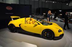 Yellow Bugatti   Istanbul Autoshow 2012.