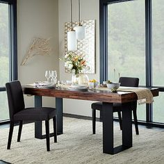 Like the contrast with the legs and love the wood top, but too contemporary -Staggered Wood Dining Table #westelm