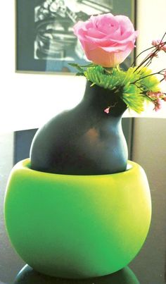 Unique, unbreakable vases. Looks like fine pottery, but made of silicon! Like us on facebook, @MODaffekt