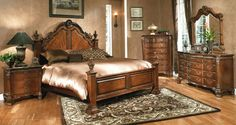 Colonial American Interior Design Bed and dresser