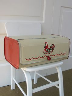 """a common 'saying' was """"is it bigger than a bread box?"""" (bread box being a common measure). We had a wooden bread box. Vintage Canisters, Vintage Kitchenware, Vintage Tins, Vintage Decor, Vintage Antiques, Kitchen Retro, Red Kitchen, Kitchen Ideas, Kitchen Ware"""