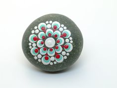 Home of the original Mandala Dotting Tools and DIY Mandala Stone Kit. Search for different Mandala designs and connect with like minded people. Mandela Rock Painting, Stone Art Painting, Dot Art Painting, Mandala Painting, Mandala Art, Easy Mandala, Mandala Painted Rocks, Painted Rocks Kids, Mandala Rocks
