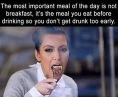 A collection of best drunk memes and fail drunk people that show us what happens if you drink alcohol too much. Drinking is not good but these funny drunk memes and give yourself something to laugh at for the entire day! Funny Drunk Memes, Drunk Humor, Funny True Quotes, Dankest Memes, Best Friend Quotes, Mom Quotes, Drunk People, Alcohol Humor, Girlfriends