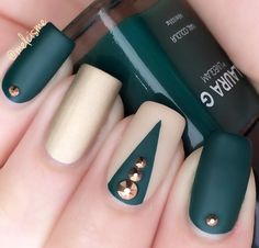 Green/gold matte nails
