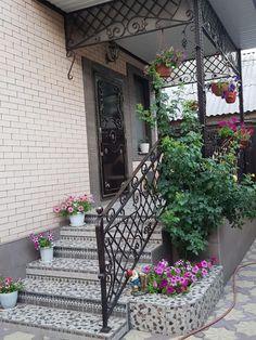 House Gate Design, Villa Design, Design Vitrail, Window Glass Design, Small Cottage Designs, Beautiful Front Doors, Porch Steps, Modern Farmhouse Exterior, House Stairs