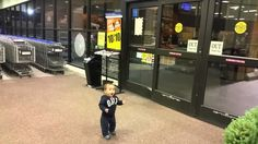 Watch adorable reactions of this toddler when he was introduced to automatic sliding doors for the first time. The young dad decided to allow his baby roaming freely in a grocery store, and the outcome was mind blowing. The child was just blown away after seeing automatic sliding doors at the store.