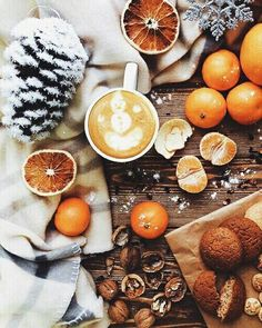 Inspiration for cold short winter days, cosy blankets, log fires and Hygge. Christmas Mood, Noel Christmas, All Things Christmas, Christmas Coffee, Christmas Flatlay, Christmas Morning, Christmas Pictures, Christmas Decor, Hygge Christmas