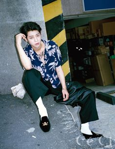 Jung Joon Young showed his rockstar looks in the August issue of Ceci. During his interview, he talked about his new band album, crushes and his primary goal in life. Roy Kim, Jung Joon Young, Korean Star, Korean Men, Btob, Asian Men, Korean Singer, Rock Music, Pretty Boys