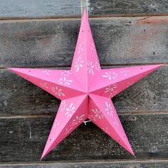 This pink paper star lantern is the perfect decorative accent to the Vintage Cowgirl party, whether it's in a barn or in your backyard. Vintage Cowgirl, Cowgirl Chic, Cowboy And Cowgirl, Cowgirl Birthday, Cowgirl Party, Cowgirl Bedroom, Paper Star Lanterns, Party Themes, Party Ideas