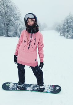 snowboarding gear women's www. Photo Ski, Wakeboarding Girl, Snowboarding Style, Snowboarding Outfits For Women, Snowboarding Quotes, Skiing Quotes, Snow Gear, Snowboard Girl, Winter Hiking