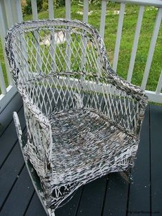 How-to Paint Wicker Furniture article by 38-year wicker furniture repair expert, teacher and author Cathryn Peters, wicker painting tips to make it easy.