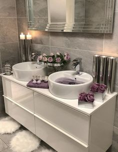 The most popular bathroom design ideas and trends for 2019 - Page 2 of 37 - HomeDecores - Haus - Badezimmer Bathroom Decor Sets, Bathroom Goals, Bedroom Decor, Bathroom Ideas, Bathroom Designs, Gray Bedroom, Bathroom Inspo, Bathroom Interior Design, Bathroom Inspiration