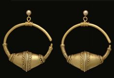 medievalvisions:  Pair of Byzantine gold earrings, 10th century...