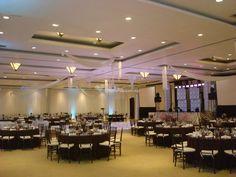 Multicentro es el lugar ideal para celebrar su boda rodeados de elegancia y confort. Sus instalaciones han sido diseñadas para cubrir todas las necesidades de un evento tan importante como su boda, lo que las hace perfectas para llevar a cabo su