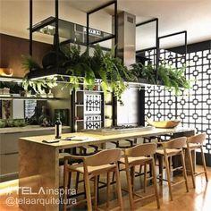 Modern cafe-like island Loft Kitchen, Kitchen Interior, New Kitchen, Kitchen Dining, Kitchen Decor, Küchen Design, House Design, Industrial Kitchen Design, Beautiful Kitchens