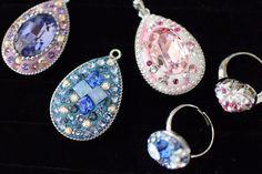 Swarovski Jewelry, Resin Crafts, Craft Items, Bead Art, Clay Jewelry, Mosaic, Gems, Hoop Earrings, Christmas Ornaments
