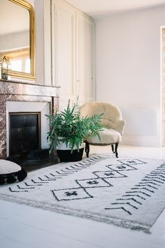 Living room│White│Washable Rug│Eco-friendly│Home Deco│ #washablerugs│#lorenacanals│#ethnic│#bereber. Find more at: http://lorenacanals.com/