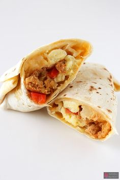 Freezer Breakfast Burritos are loaded with chicken chorizo, scrambled eggs, potatoes, onions, and peppers and can be frozen and reheated in the microwave every morning! Great for an on-the-go breakfast! Freezer Cooking, Freezer Meals, Cooking Recipes, Healthy Recipes, Microwave Recipes, Batch Cooking, Yummy Recipes, Recipies, Make Ahead Breakfast