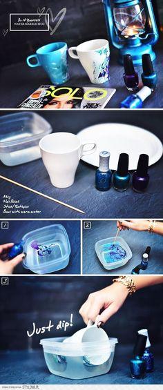 "DIY: ""Water Marble""-kopp med nagellack – Elena Monica Jilaveanu DIY: ""Water Marble""-kopp med nagellack Hello everyone, Today, we have shown Elena Monica Jilaveanu DIY – Marmeren Mok van het Water Crafts To Make, Fun Crafts, Diy Cadeau Noel, Diy Love, Marble Mugs, Craft Projects, Projects To Try, Craft Ideas, Nail Polish Crafts"