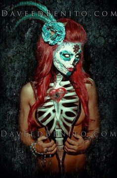 Sugar skull body art I can wear an open blazer over it Sugar Skull Girl, Sugar Skull Makeup, Sugar Skulls, Candy Skulls, Monster Face Painting, Skull Face Paint, Day Of The Dead Art, Make Up Art, Wow Art