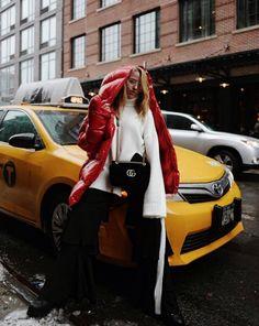 """Jessica Mercedes chwali się publikacją w """"Vogue"""". """"Przyleciałam do Nowego Jorku na specjalne zaproszenie Victorii Beckham"""" - PUDELEK"""