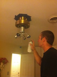 Ceiling fan can be painted while left in place! Ceiling Fan Redo, Painting Ceiling Fans, Paint Ceiling, Ceiling Fan Makeover, Remodeling Mobile Homes, Home Remodeling, Painting Light Fixtures, Diy Home Repair, Home Repairs