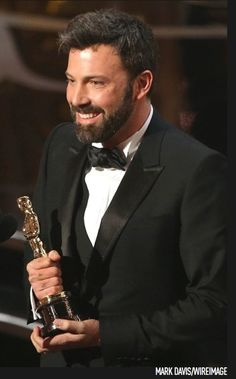 "Ben Affleck's ""Argo"" wins Best Picture at the #Oscars"