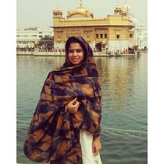 Happy holi peeps! Wishes and prayers all the way from Amritsar! What a beautiful start to my small vacation? God bless you guys!  Since it was hot, I chose to wear a simple cotton salwar suit with a beautiful blue and mustard ikkat dupatta thrown over it. Hope you guys like it!  #drapeastory #ikkat #handloom #fashionblogger #mumbai #india #amritsar #punjab #goldentemple #fashion #style #dupatta #personalstyle #handcrafted #mustard #blue #cotton #ethnic #indian #mode #bespoke #simple #classy…