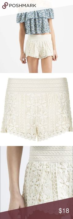 TOPSHOP scallop crochet shorts in natural Crochet lace shorts from TOPSHOP in an off-white/cream color. Elastic waist for super comfy fit. Machine washable.  Great condition Topshop Shorts