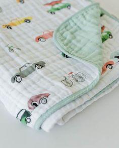 Little Unicorn Cotton Muslin Quilt - Traffic Jam