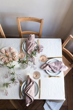 Dusk pink linen napkins by Rough Linen | beautiful, minimal tablescape for Easter or other spring celebrations