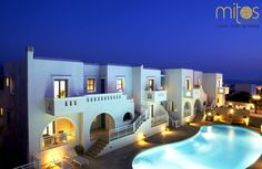 Mitos Suites - Naxos, Greece Consisting of a dazzling group of white Cycladic-style buildings, Mitos Suites is one of Naxos' most attractive boutique hotels. Accommodation is offered in 8 spacious,. Naxos Greece, Santorini Hotels, Rooftop Deck, Commercial Architecture, House Goals, Luxury Living, Mansions, House Styles, Building