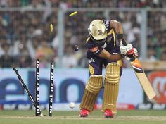 #IPL 2012 preview: Kolkata Knight Riders(KKR) face an upbeat Rajasthan Royals(RR)-- Jaipur: Apr 7, 2012     After a rollicking start to their IPL V campaign, Rajasthan Royals will look to continue the winning momentum when they face Kolkata Knight Riders, who would be equally keen to bounce back from a humiliating defeat in their opening match against Delhi Daredevils on Sunday.