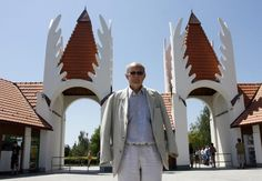 makovecz imre - Google keresés Frank Lloyd Wright, Gaudi, Architecture Organique, Organic Architecture, Hungary, Opera House, 1, Google, Sevilla