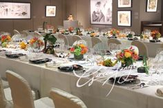 Modern Chinese painting crossover with floral design | Greenfingers Florist Co Ltd